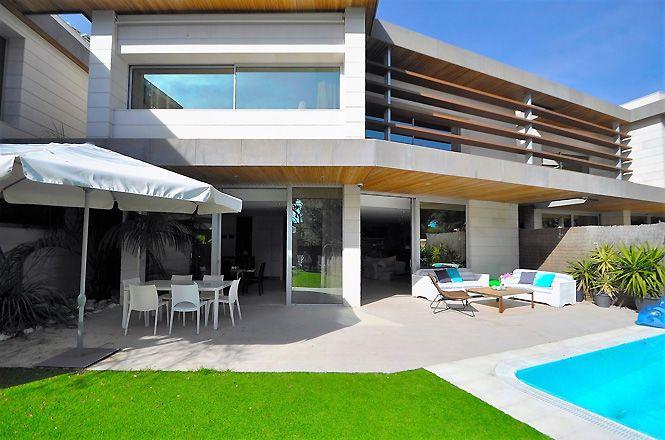 Sitges Modern Design