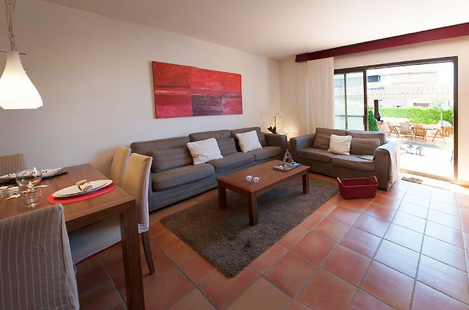Parlava Pool Apartment