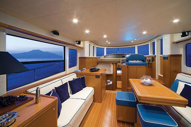 Apreamare Charter Boat