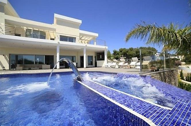 Private Villa Fustera Beach