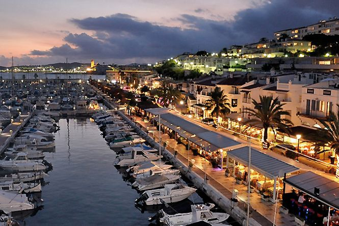 Location yachts luxe a Espagne