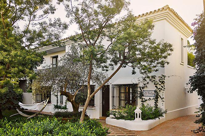 Golden Mile Private Villa