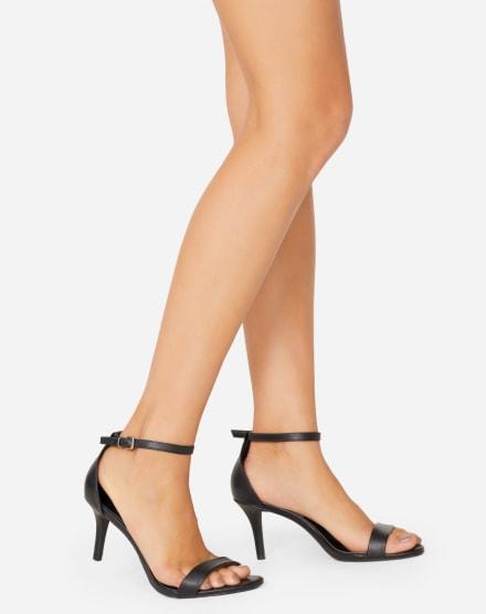 50b9cf4b3 Sandálias   Calçados Femininos   AMARO