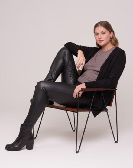 1879c7b23 Moda Feminina 2019 | Comprar online as últimas tendências | AMARO
