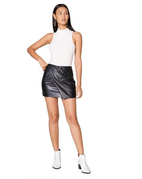 Amaro Feminino Mini Saia Leather Assimétrica, Preto