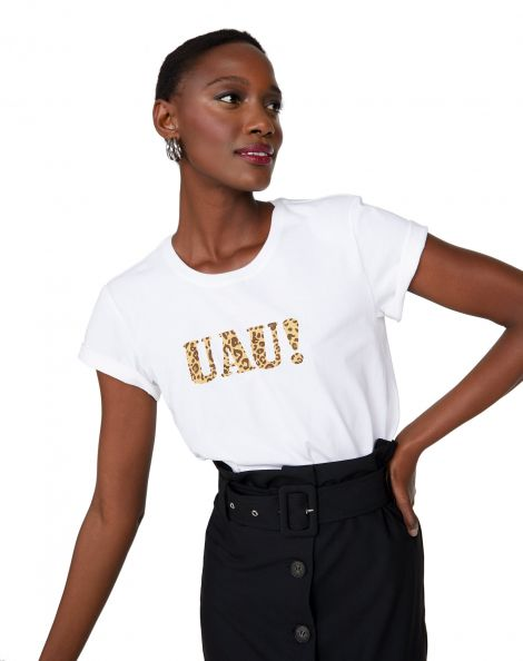 Amaro Feminino T-Shirt Ampla Decote Redondo Uau!, Branco