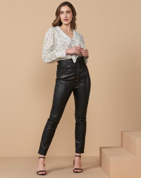 Amaro Feminino Calça Skinny Leather Cintura Alta Botões Metal, Preto
