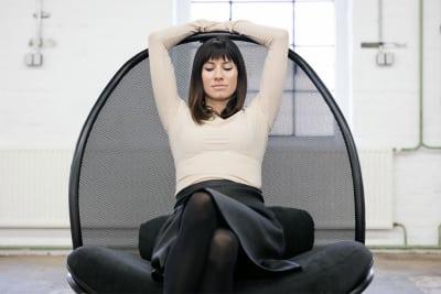 TON präsentiert Lounge Chair von Lucie Koldova auf der imm Cologne 2018