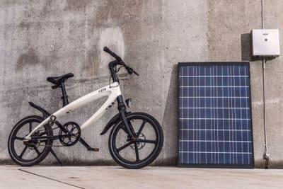 Kvaern, ein E-Bike mit solarbetriebener Ladestation