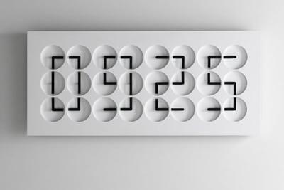 Clock Clock 24, analoge Uhren zeigen digital die Zeit an