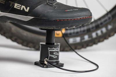 Stompump, die kompakte Fahrrad Fußpumpe