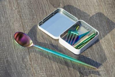 Outlery umweltbewusstes Design – Wiederverwendbares Besteck & Essstäbchen für unterwegs