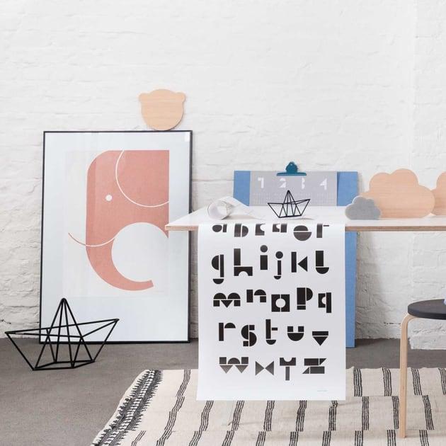 Snug.Studio Ahoy – Magazinhalter in Papierschiffchen-Form