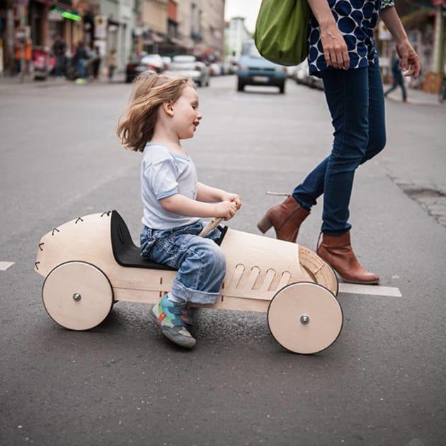 flink – Das Holz-Rutschauto, Berlin