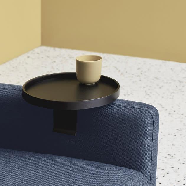 Sunday Tablett für Deine Sofa-Armlehne in skandinavischer Ästhetik