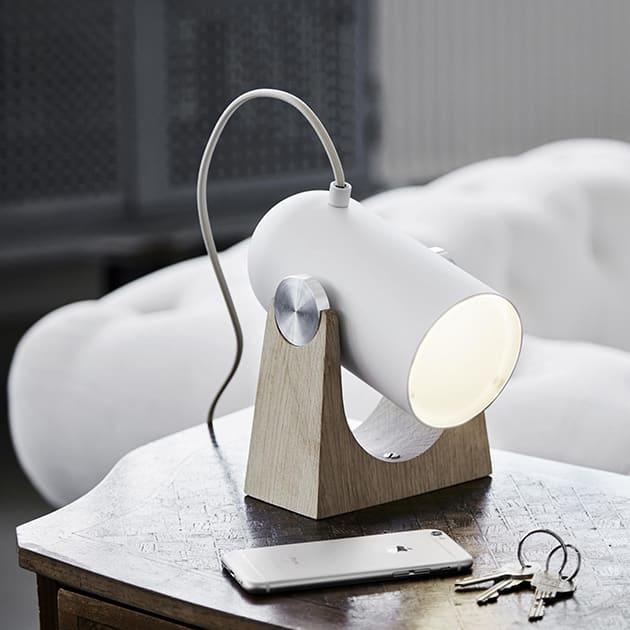 Corronade Leuchte von Le Klint für Tisch und Wand
