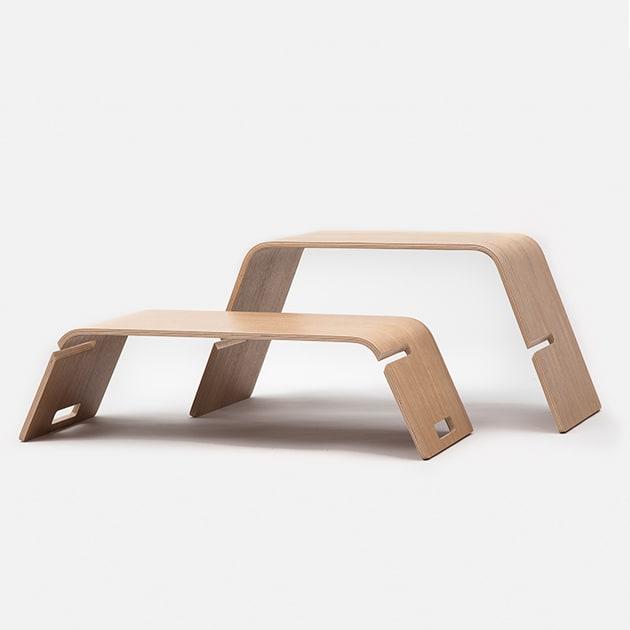 Embrace – moderner zweiteiliger Tisch von John Green