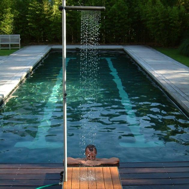 Erfrischende Outdoor Dusche CASCADE