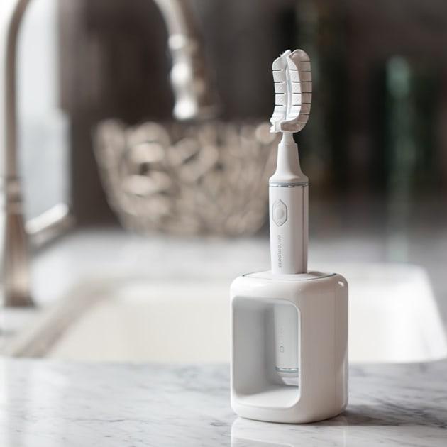 Professionelles Zähne putzen in 20 Sekunden – mit Encompass