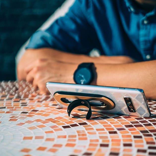 Ohsnap – multifunktionale Handybedienung durch magnetischen Handy Griff um 360°