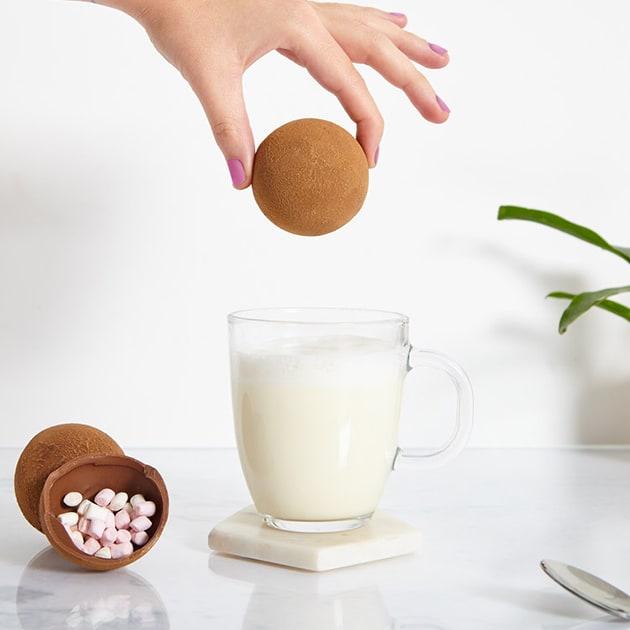 Hot Chocolate Bomb – heiße Schokolade mal anders und für die kältere Jahreszeit und guten Freunden