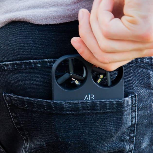 AIR PIX – die selbstständige Selfie-Drohne