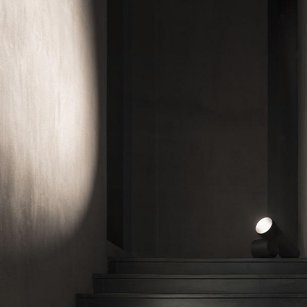 FLOS Sawaru Leuchte von Nendo, schlicht und aus Aluminium, aber ein Highlight