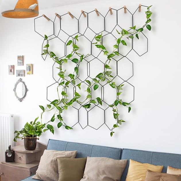 Anno Spalier von comapgnie. Formschöne Gestaltung aus Stahl für Deine Kletterpflanzen