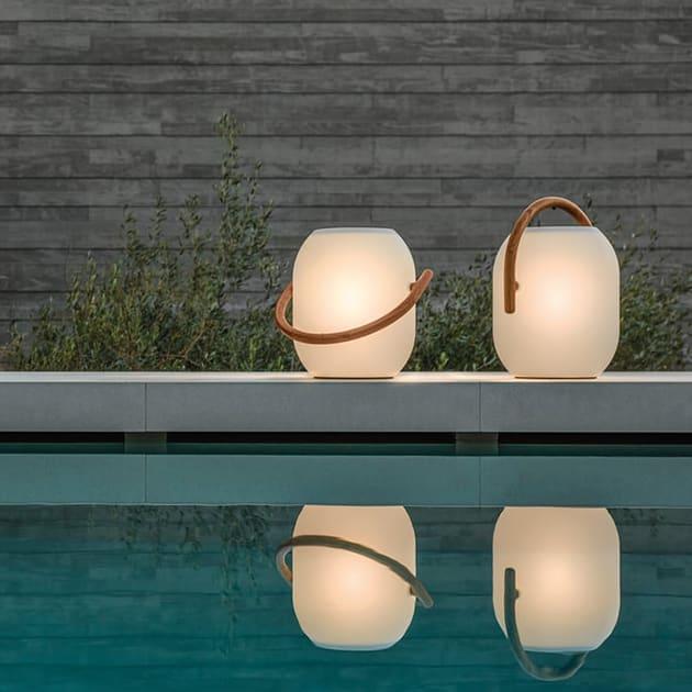 Cocoon Outdoor Leuchte mit Akku und Teakholzgriff für das besondere Outdoorfeeling