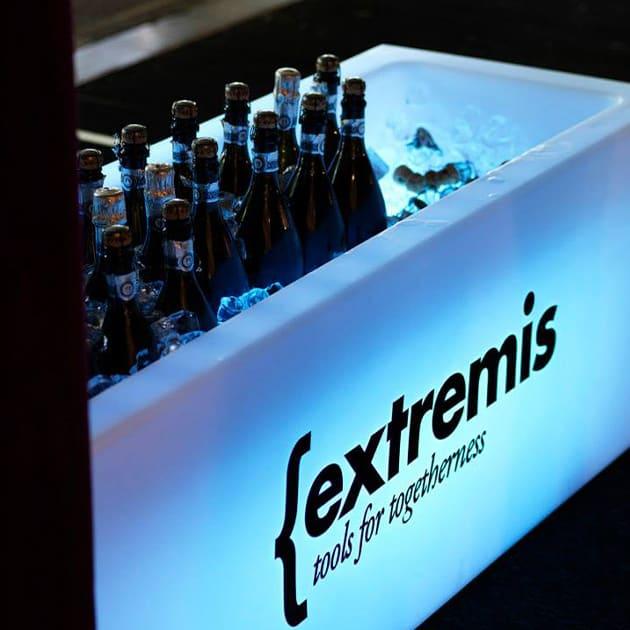 Icecube – beleuchteter Getränkekühler von extremis