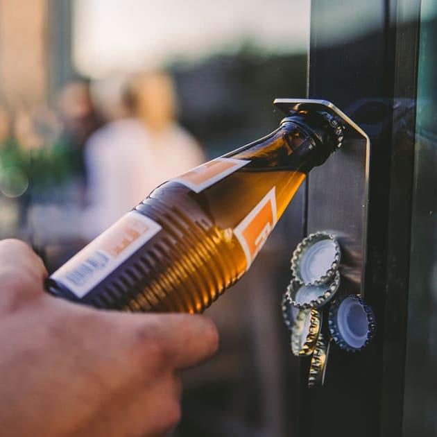 JOHNNY CATCH MAGNET- innovativer Flaschenöffner von höfats