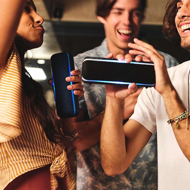 Sony SRS-XB22 Bluetooth Lautsprecher mit farbiger Lichtleiste