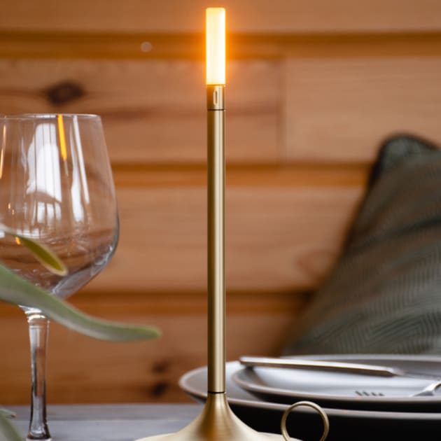 Tragbare LED Tischlampe Wick