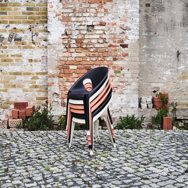 Bell Chair von Magis für In-und Outdoor stapelbar