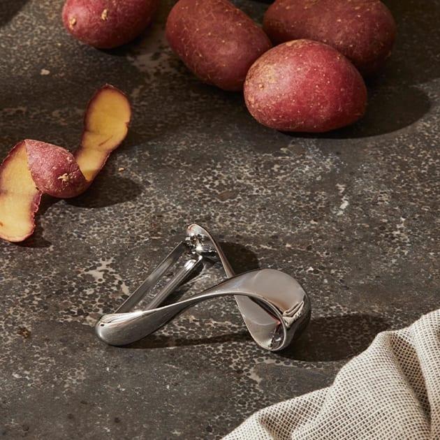 Sfrido Kartoffelschäler von Alessi aus Edelstahl