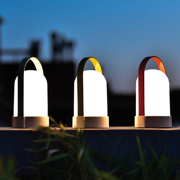 Uri Mobile Leuchte und Uri Piccolos mit Tragebügel von remember