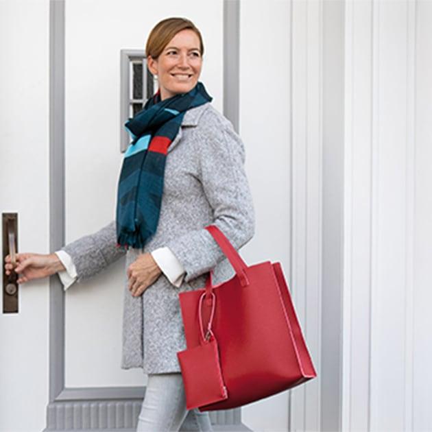 Shopper mit Pouch in modischen Farben
