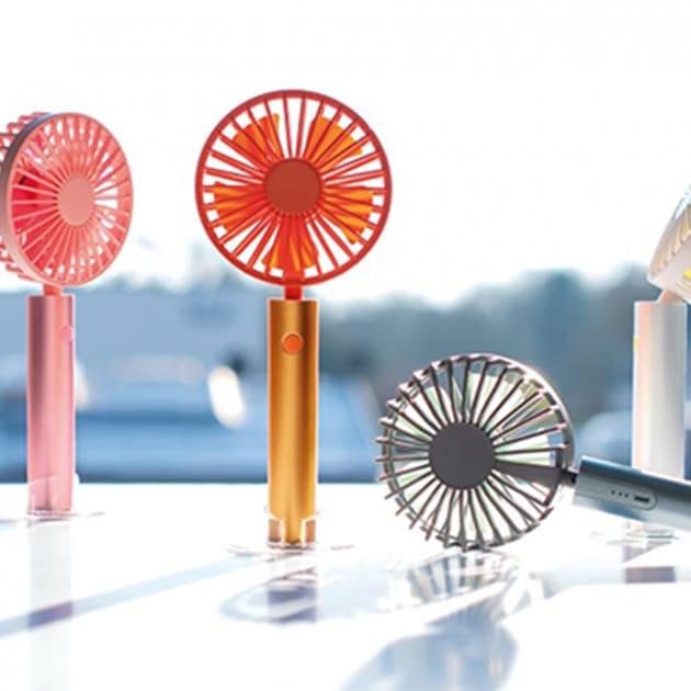Flow mobiler Akku-Ventilator pustet stilgerecht frischen Wind