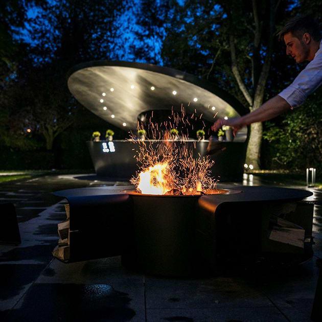 Rocco – multifunktionaler Allrounder für den Garten – Grill, Feuerstelle, Champagnerbar