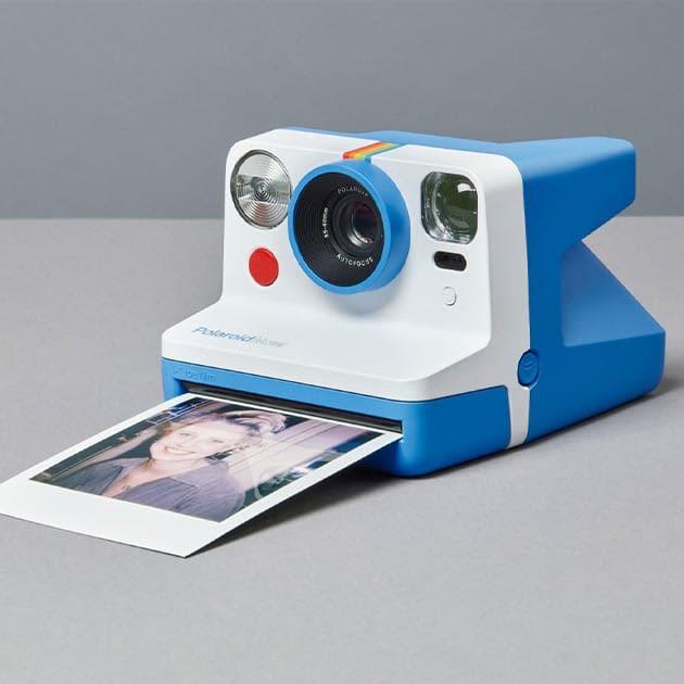 Polaroid Now i‑Type Instant Camera vereint das Polaroid-Spektrum
