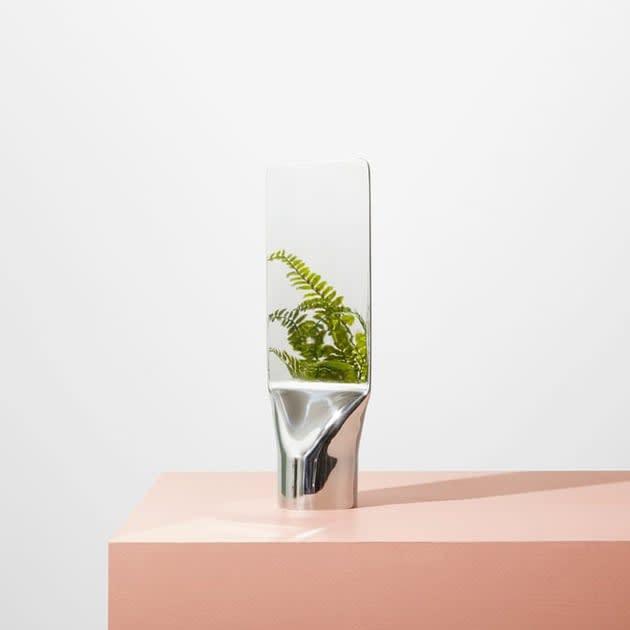 Skulpturaler Press Tischspiegel von Umbra