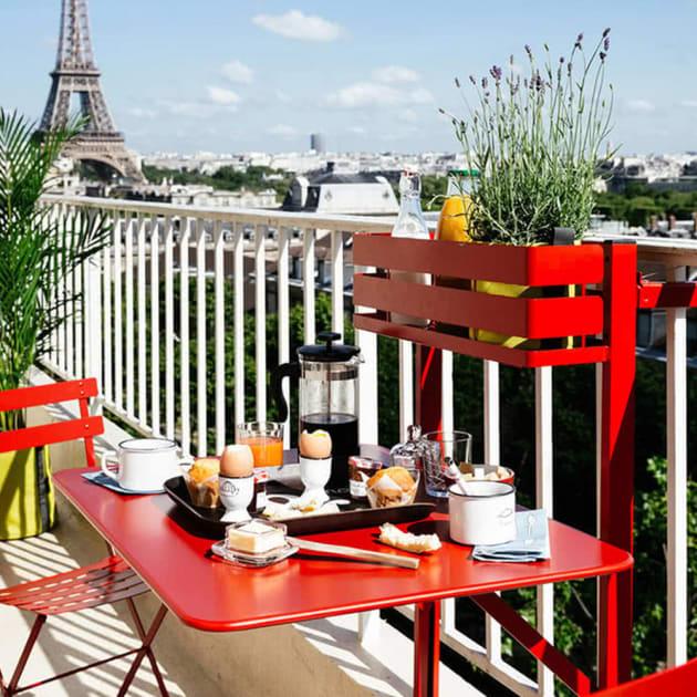 Praktischer Bistro Balkon Tisch von Fermob