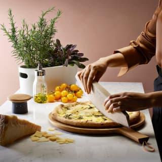 Nachhaltig und äußerst praktisch - Pizza und Kräutermesser von Eva Solo