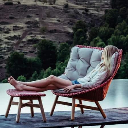 DEDON Mbrace Wing Chair mit hoher Rückenlehne