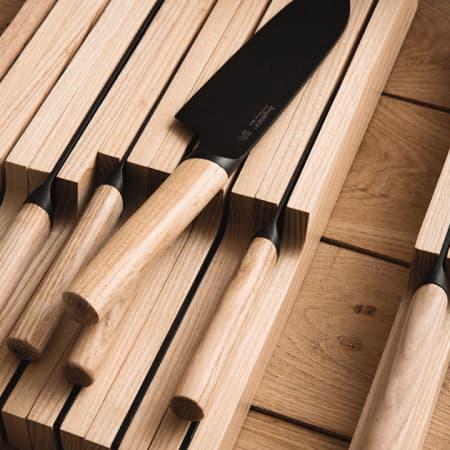 Messer Organizer aus Esche von Berghoff sortiert scharfe Messer perfekt
