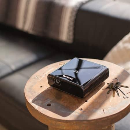 Philips PicoPix Max praktischer mini Beamer für überall