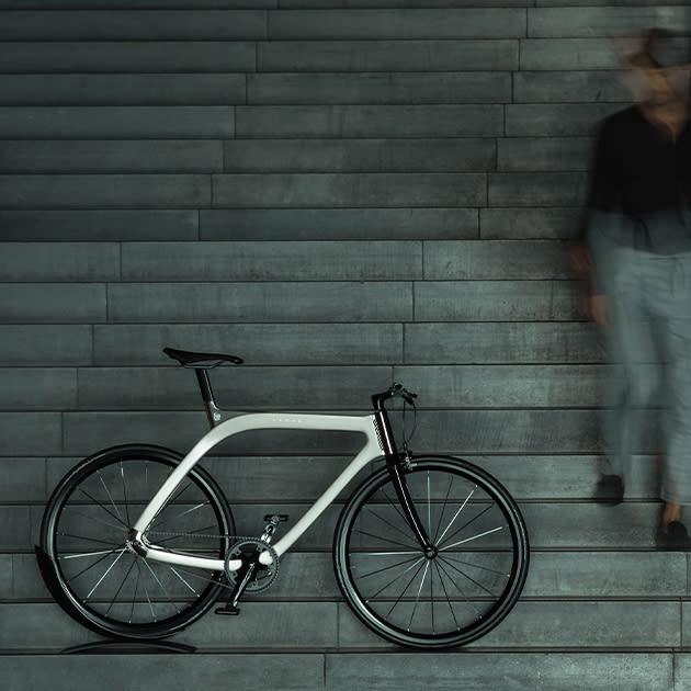 AKHAL Shadow Fahrrad im eleganten Design von EXTANS