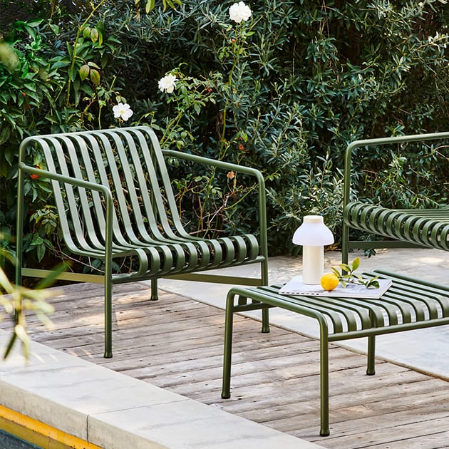 Palissade Lounge Chair Low von Hay für draußen und drinnen
