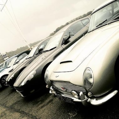 Blog Thumbnail - Aston Martins in St Mawes today