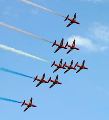 Blog Thumbnail - Falmouth week & red arrows on wednesday 9th!